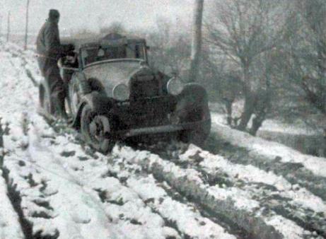 Rallye_Monte_Carlo_1934,_la_Hotchkiss_de_Gas_et_Trévoux_-_2