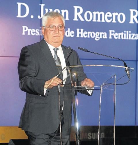 D. Juan Romero Presidente de Herogra se dirige a los asistentes.