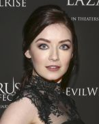 sarah-bloger-at-the-lazarus-effect-special-screening-in-hollywood_2