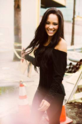 tristin-mays-house-party-see-her-tonight-3