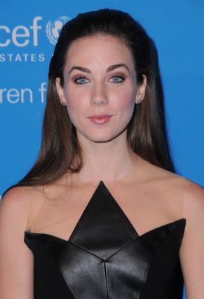 lyndon-smith-at-2016-unicef-masquerade-ball-in-los-angeles-10-27-2016_4