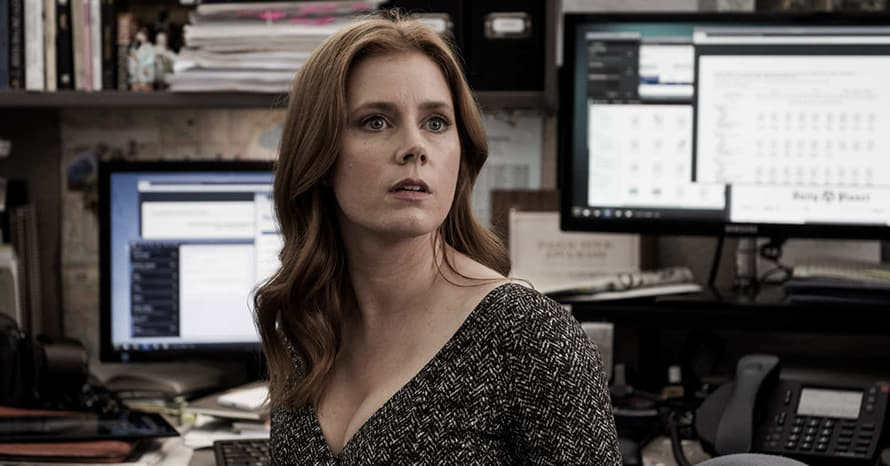 Zack Snyder Confirms Amy Adams' Lois Lane Is Pregnant In 'Justice League'