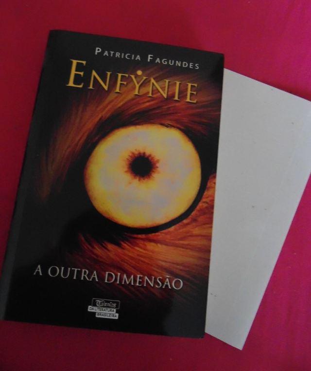 Elfynie a outra dimensão capa do livro de Patricia Fagundes