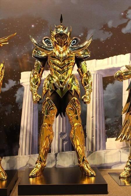 Áries armaduras de ouro em tamanho real cavaleiros do zodíaco hd