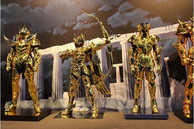 armaduras de ouro em tamanho real Cavaleiros do Zodíaco aries sagitario gemeos