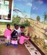 Interaktive Wandmalerei in Bukoba, Tansania