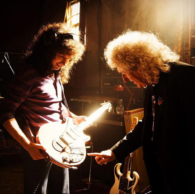 Brian May and Gwilym Lee on set of Bohemian Rhapsody 2018)