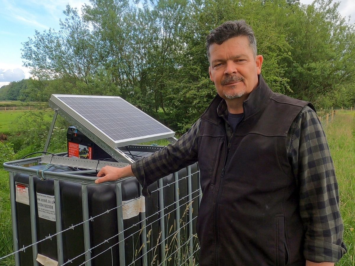 6×4 solar powered water