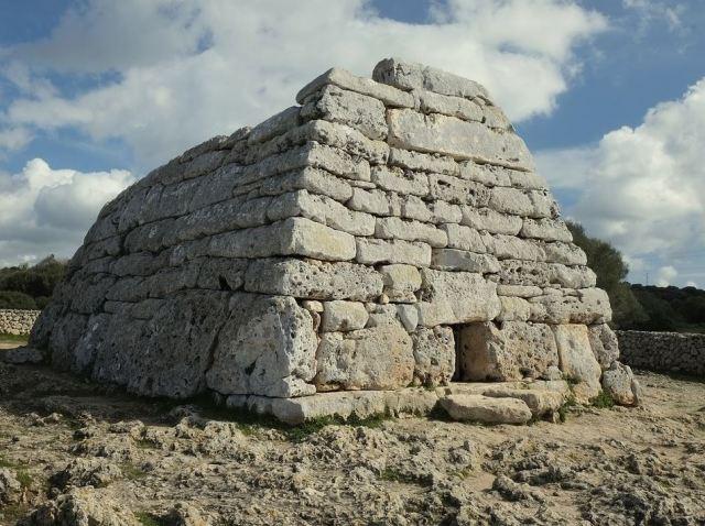 Site unique des îles Baléares, le naveta des Tudons
