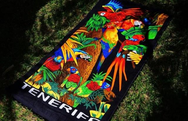 Motifs colorés pour serviette de plage super fun