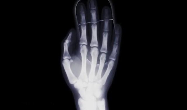 Position de la main sans souris ergonomique