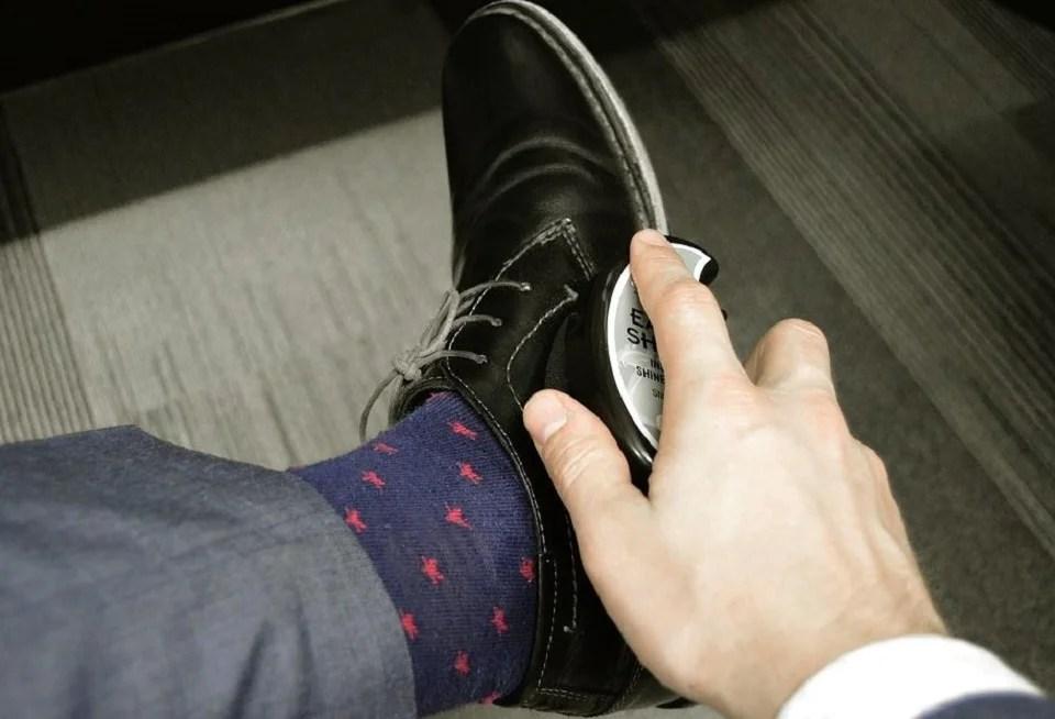 Brosse pour entretenir ses chaussures en cuir
