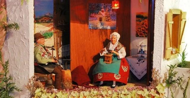 Couple de santons de Provence habillés