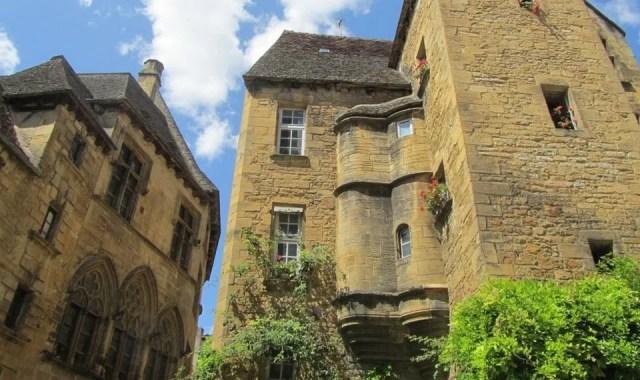 Sarlat sous le soleil de la Dordogne