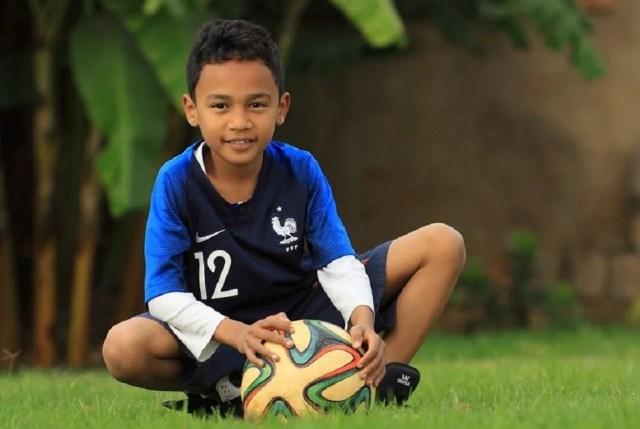 Maillot de foot enfant à bas prix p