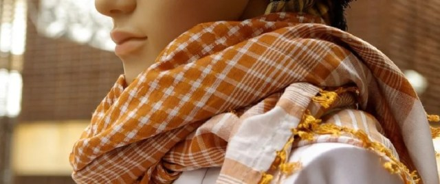 Version mode du foulard berbère