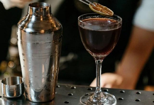 French Shaker ou Continetal shaker, le mélangeur Parisien à cocktails