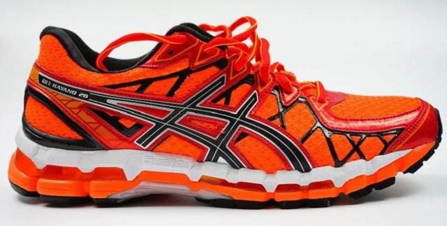 porter des chaussures orange, une petite note de folie
