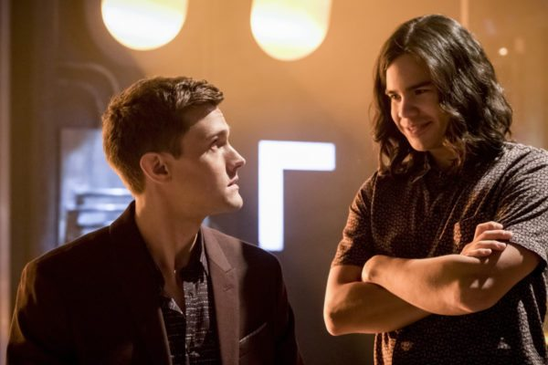 Ralph Dibny and Cisco in the Flash Season 4 episode 13