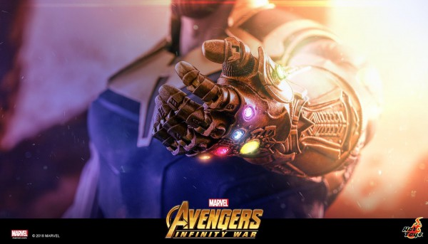 Infinity gauntlet from Hot Toys