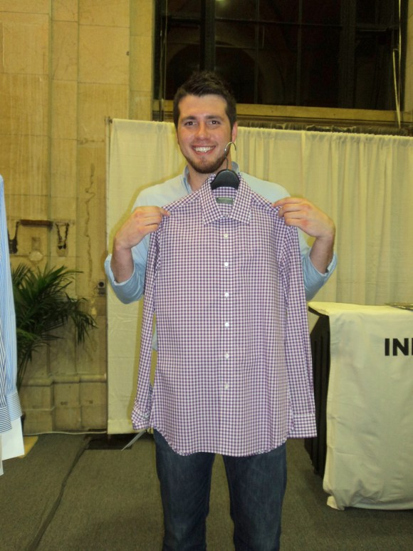 Testing out the Indochino Pioneer Purple GIngham Shirt in Philadelphia / Her Philly
