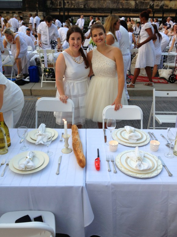 Diner En Blanc tablescapes // Her Philly