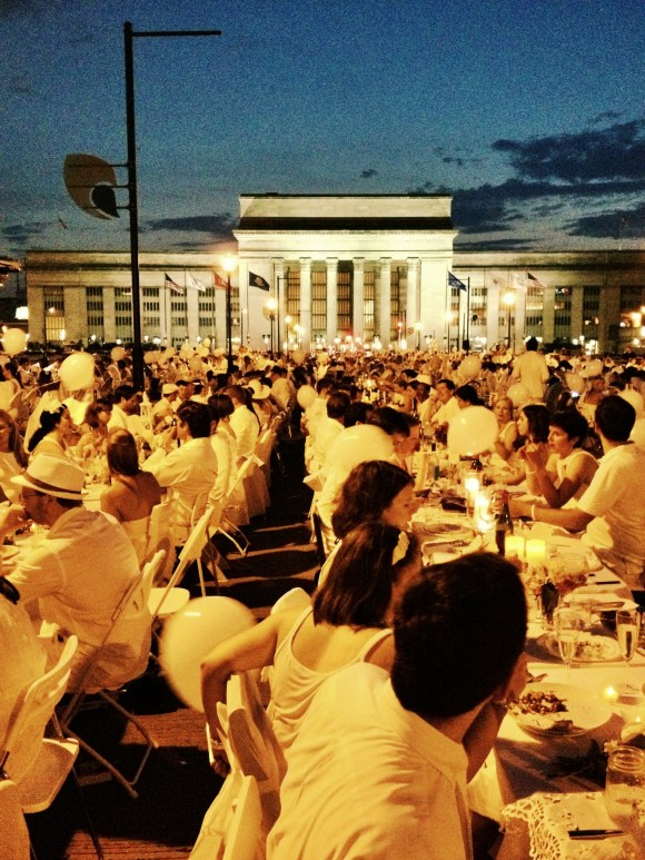 Diner En Blanc Philadelphia 2013 // Her Philly