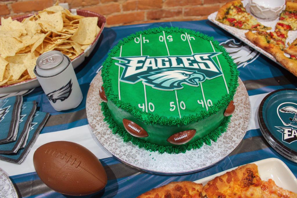 NFL Eagles Cake