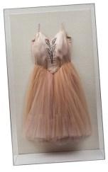 Vestido usado por Kyra Nicholas em Brahms-Schoenberg