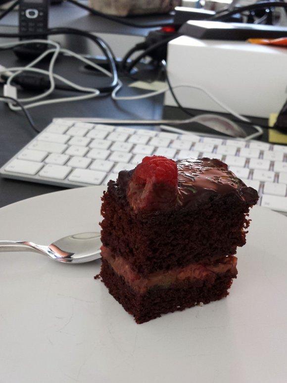 Veganer Schoko-Himbeer-Kuchen