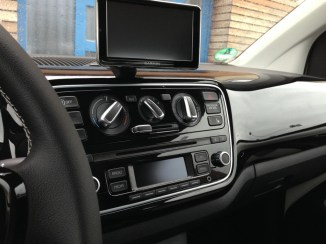 Interieur mit dem Navisystem maps+more