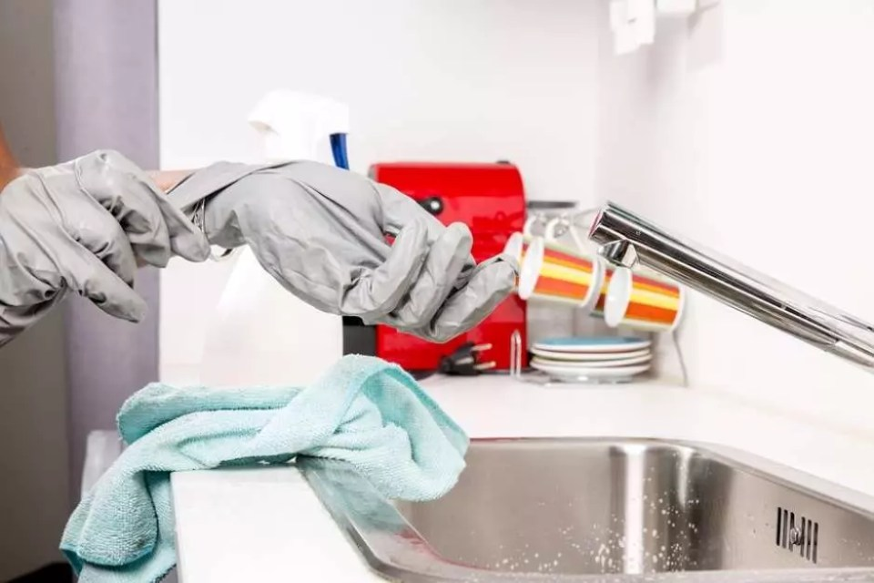 10 Reasons to Start Green Cleaning Your Home Today
