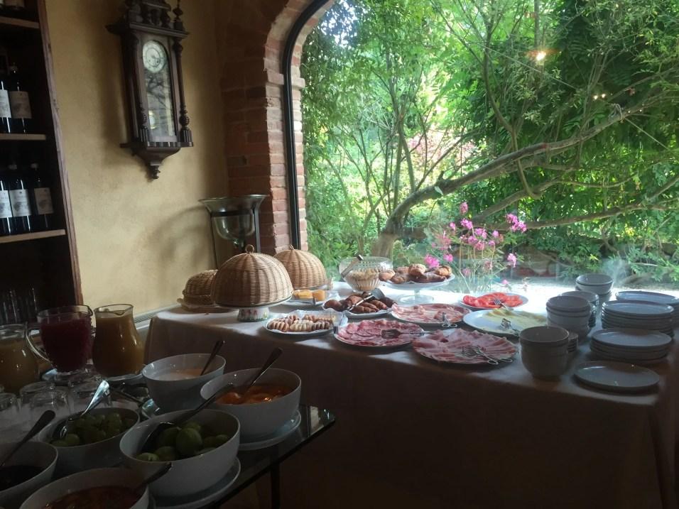 Breakfast at Villa Cicolina