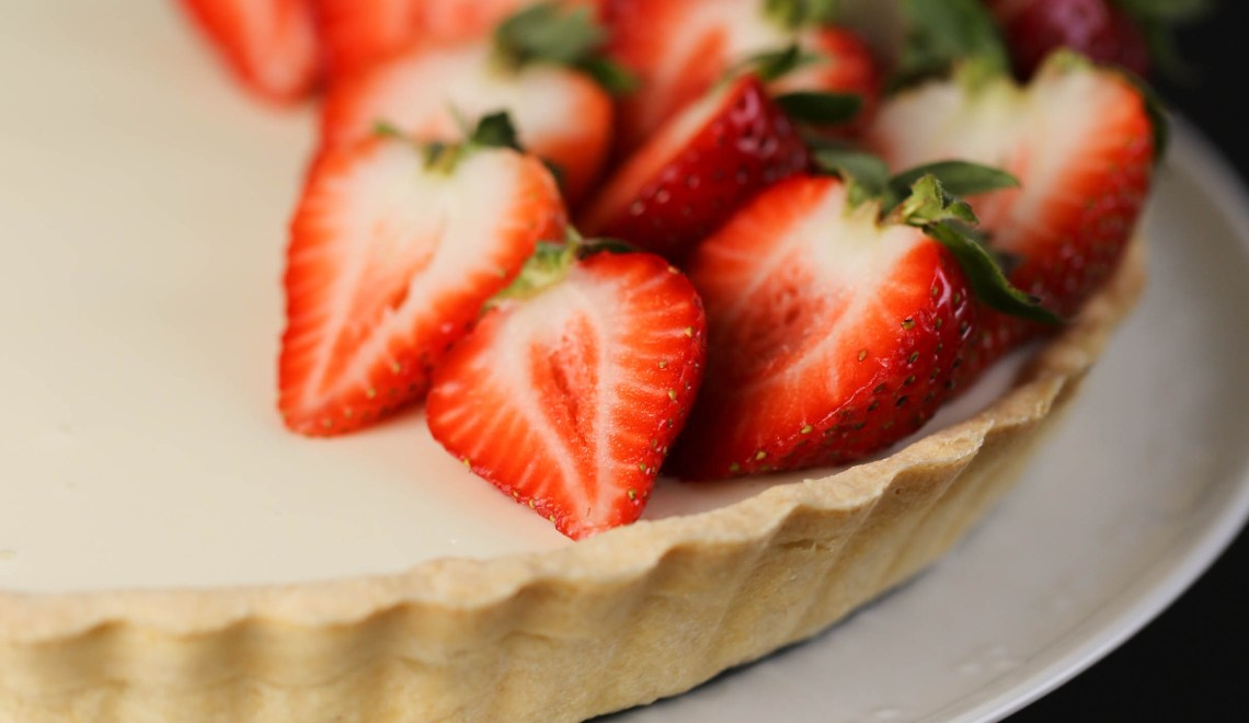 Panna Cotta-Tarte mit Erdbeeren