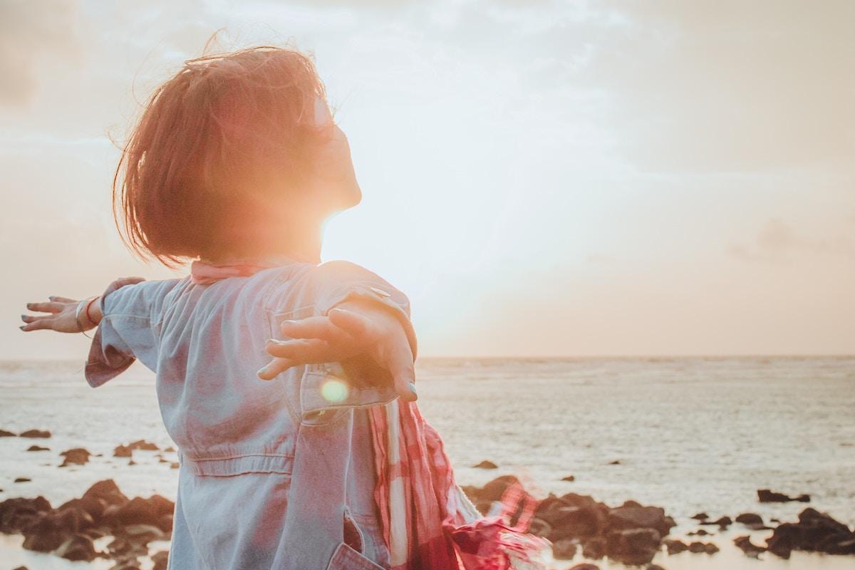Mein Warum-Frau am Meer-Frei sein- Atmen
