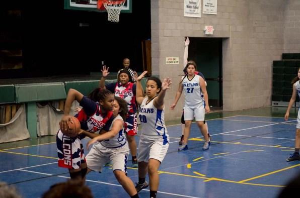 Heritage_basketball_tourney_17_F-14
