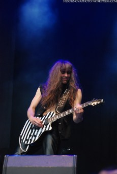 grave_digger_masters_of_rock_2013_015