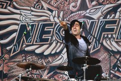 neonfly_masters_of_rock_2015_002