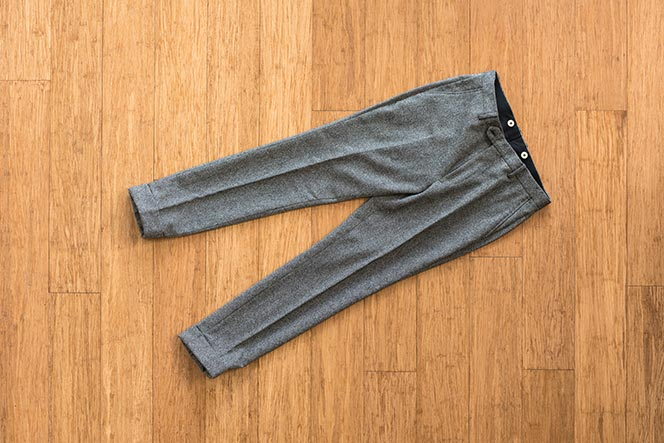 how to fold dress pants in suitcase carry on