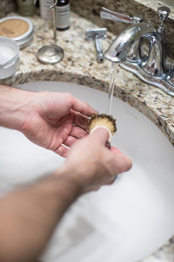 how to use shaving brush