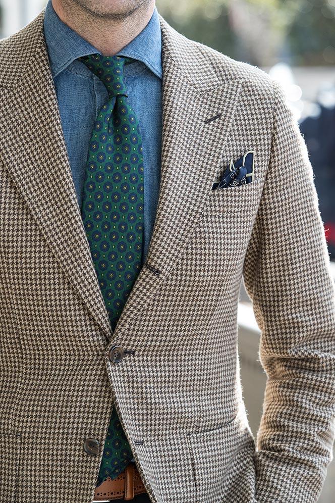 brown-houndstooth-blazer-denim-shirt-drakes-green-silk-tie-medallion-pring-street-style-details-photo-2