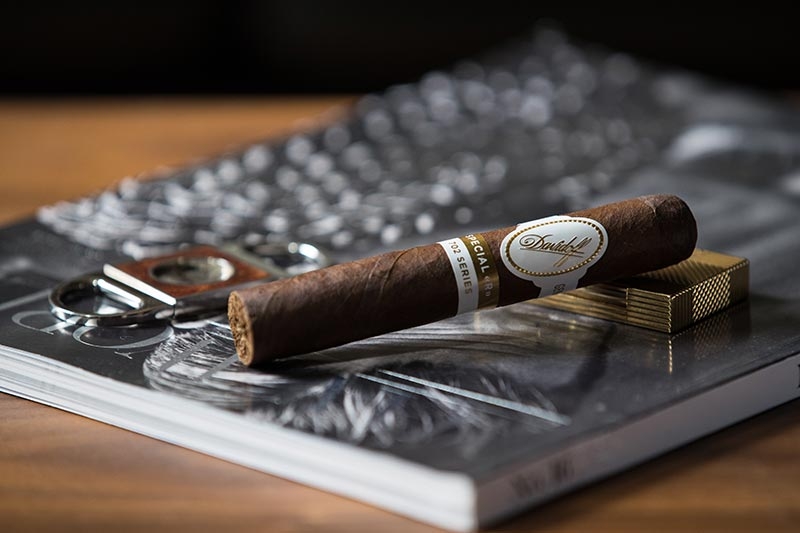 davidoff-702-series-special-r-review-cigar-on-st-dupont-lighter-cutter-man-of-the-world