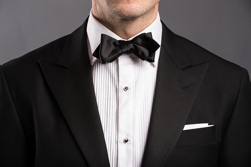 pointed--bow-tie-style-black-tie-formal-attire-men
