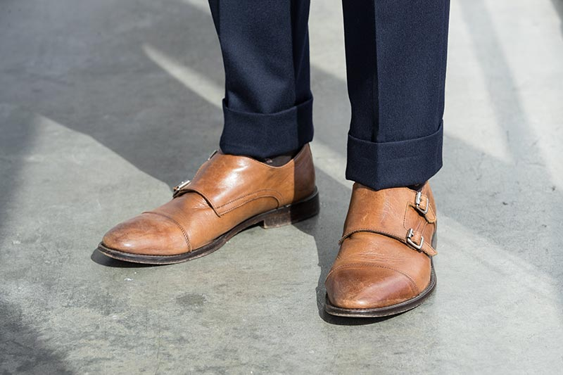 light-brown-leather-double-monk-strap-shoes-navy-suit-pants-with-cuff-business-dressing-men-spring