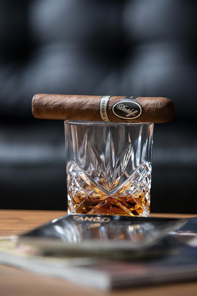 davidoff escurio cigar review gran toro