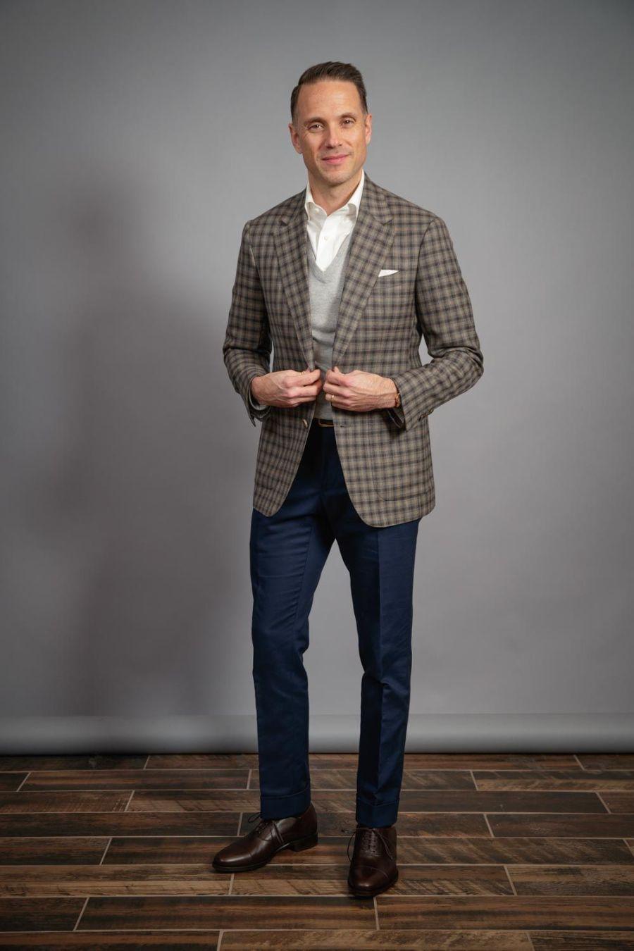 gun-club-check-jacket-blue-trousers-white-oxford-shirt-heather-grey-v-neck-sweater-for-men