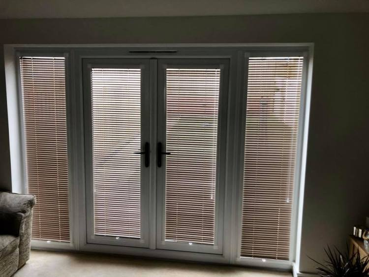 Perfect fit venetian blinds on patio doors