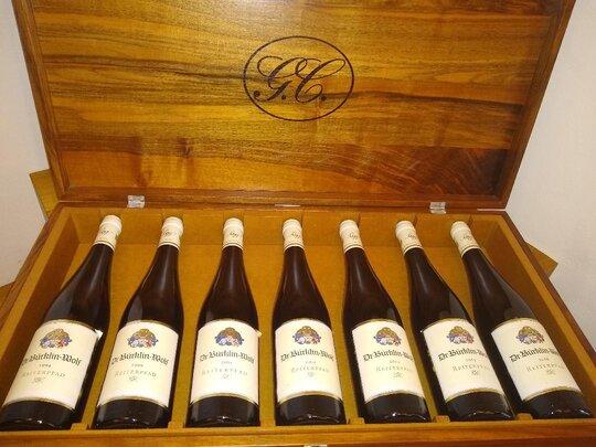 Bed & Wine beim Weingut Dr. Buerklin-Wolf Riesling Flaschen