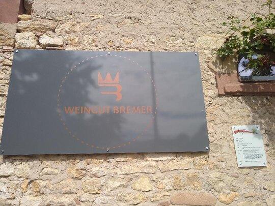 Bed & Wine beim Weingut Bremer Rheinland Pfalz Schild