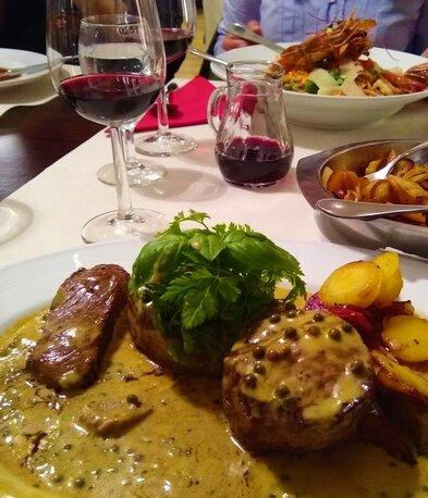 Weinproben in Hessigheim Bed & Wine Wein und Essen Fleisch und Rotwein